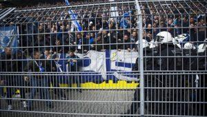 Gewalt-Exzess in Dortmund: Hertha-Fans prügeln auf Polizisten ein