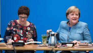 Annegret Kramp-Karrenbauer: Bei Bruch der Bundesregierung gibt es Neuwahlen