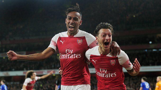 Rekordtor von Özil: Arsenal hält Anschluss an die Spitze