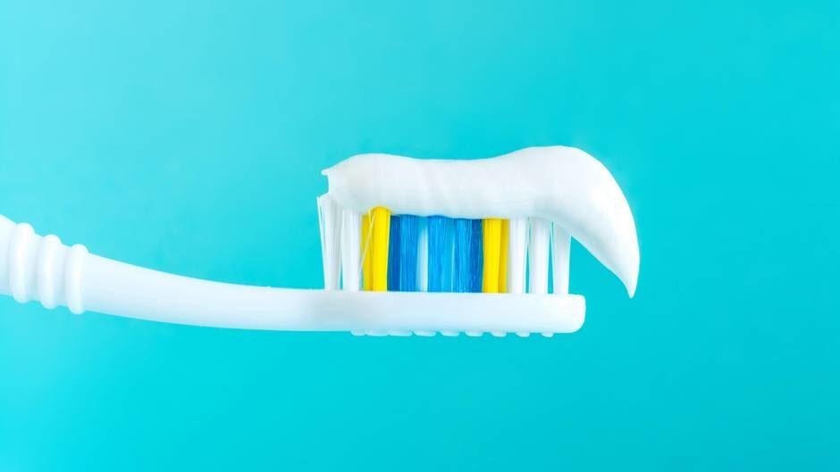 Fluorid in Zahncreme: Die Legende vom Gift in der Zahnpasta