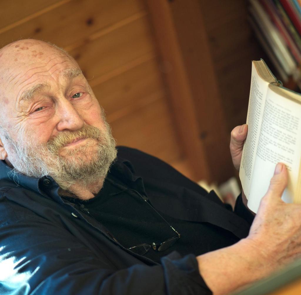 """Bekannt aus """"Drei Haselnüsse für Aschenbrödel"""" – Rolf Hoppe gestorben"""