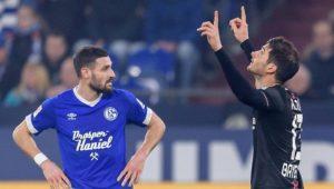 Pfiffe und Abstiegsangst für S04: Schalke verpatzt Krisenduell gegen Bayer