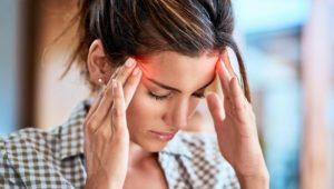 Kopfschmerzen: Wann Sie damit zum Arzt gehen sollten