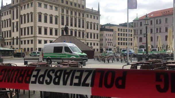 Rathäuser wegen Bombendrohungen evakuiert: Wohl rechtsextremer Hintergrund