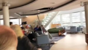 "Norwegen: Kreuzfahrtschiff ""Viking Sky"" entgeht Katastrophe nur knapp"