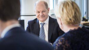 Bundeshaushalt: Koalition muss Gürtel enger schnallen