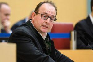 Markus Plenk: Bayerns Fraktionschef verlässt AfD und wechselt zur CSU