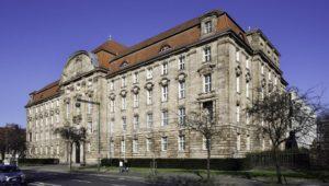 Düsseldorf: Ex-Rüstungsmitarbeiter gaben Staatsgeheimnisse weiter